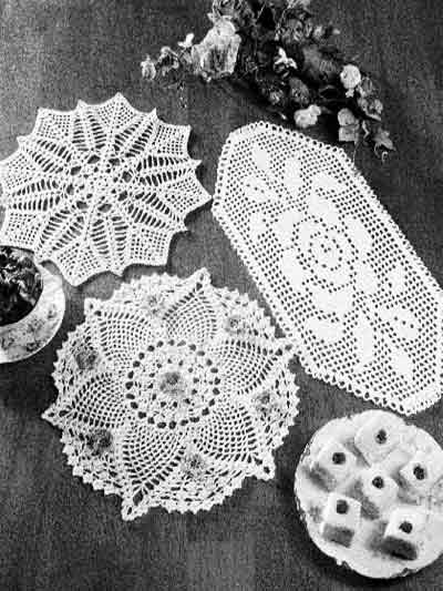 Pineapple Rose Doily Chicagoartcraft